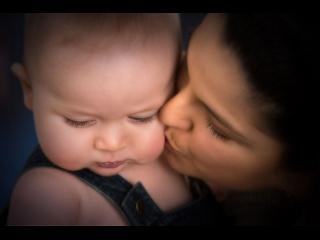 Manfredonia. ?Fare un figlio: non è solo questione di soldi? A cura di Paolo Cascavilla Mamma e figlio