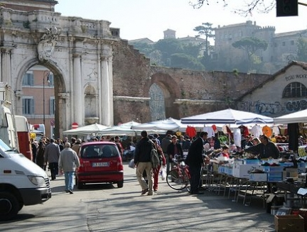 Lucera militari finanza contro abusivismo commerciale - Porta portese offerte lavoro roma ...