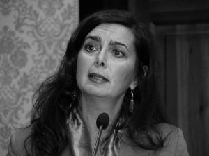 L'autrice del testo 'Tutti Indietro', Laura Boldrini, parla nel suo testo di storie di emarginazione sociale di cittadini extracomunitari (immagine d'archivio)
