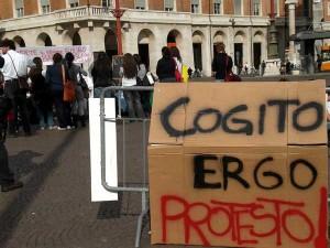 Anche a Foggia le proteste degli studenti, a causa dei tagli governativi (ilforomagna.gelocal.it)