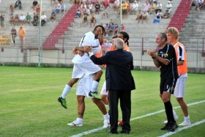 Esultanza dopo goal Foggia (image sito UsFg)