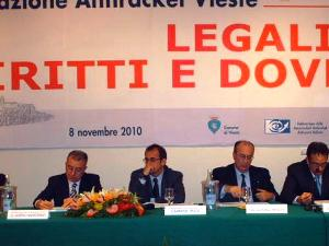Convegno Ass.Antiracket Vieste (image: vocedivieste.it)
