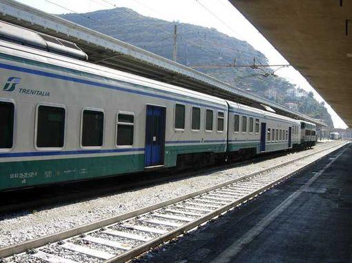 Regionale lecce foggia consiglieri treno invaso da - Orari treni milano torino porta nuova ...