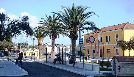 Esterno Stazione di Manfredonia, area ufficio Iat (Ph: Marcello Castigliego)