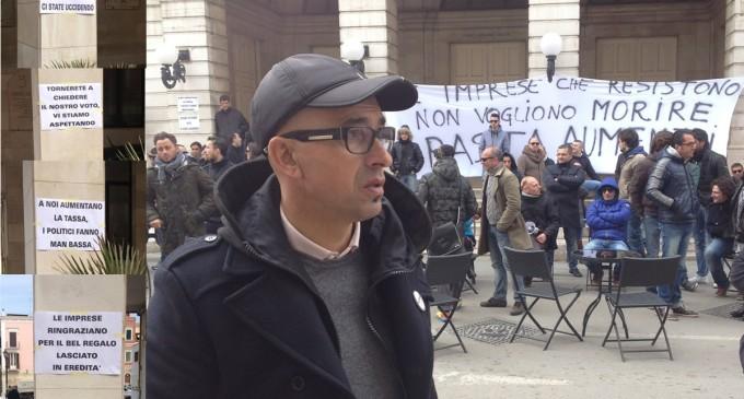 Barletta, aumenti tasse, protesta operatori