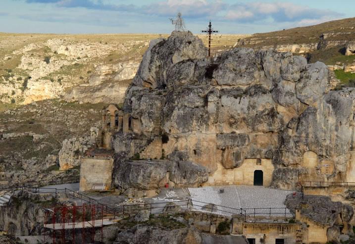 Dopo la Murgia abbraccia Matera ecco Puglia per Matera 2019