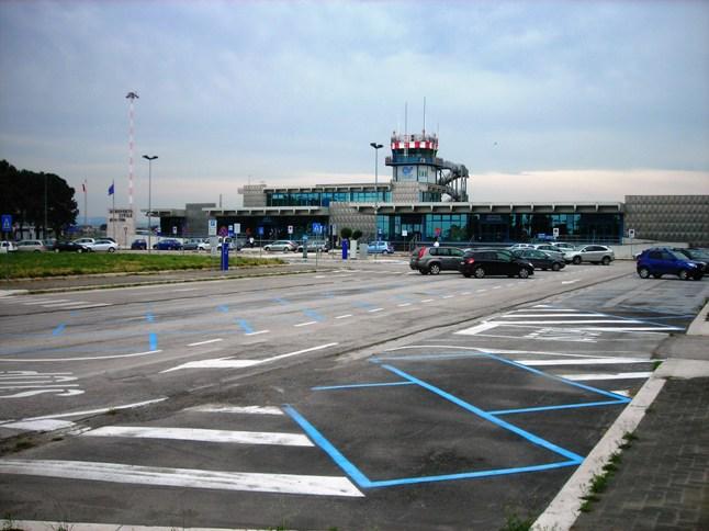 Aeroporto Elba Allungamento Pista : Allungamento pista gino lisa rampelli a foggia