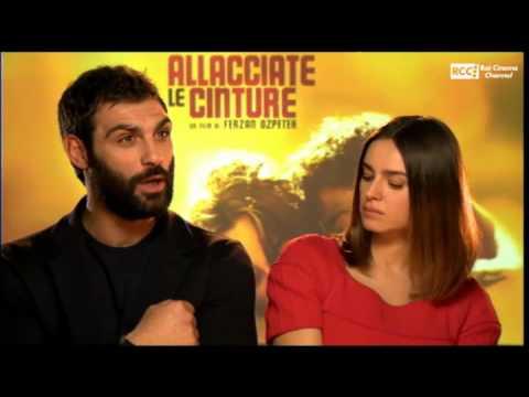 "Live – ""Allacciate le cinture"" – Kasia Smutniak e Francesco Arca"
