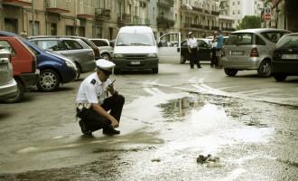 Foggia, si rovescia carico olio, strada 'saponetta' (FOTO)