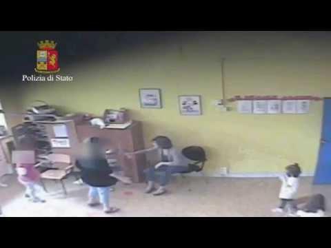 Calci, gomitate, violenze, arrestate maestre d'asilo in Puglia (VIDEO)