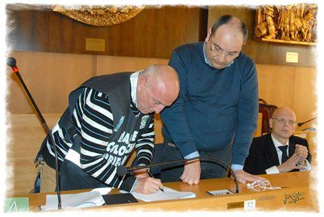 Passato incontro tra il Gen.Marasco ed il sindaco di Manfredonia A.Riccardi (ph: ODEON)