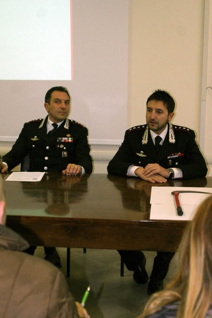 Conferenza stampa CC, 15 gennaio 2015, Colonnello Basilicata e Comandante dei carabinieri di Manfredonia Cap. Miggiano (ph: V.MAIZZI)
