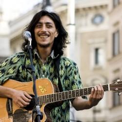 Sandro Joyeux a Borgo Mezzanone, musica contro la schiavitù