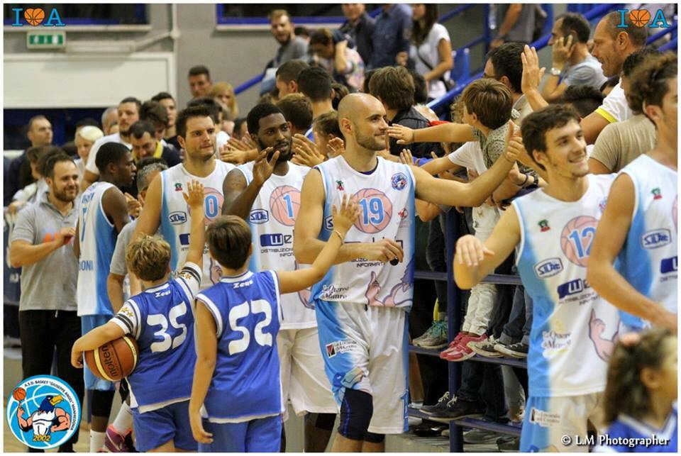 Basket, Angel Manfredonia affronta l'Andrea Pasca Nardo'