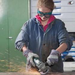 Donne e lavoro: solo la libertà dal bisogno materiale rende libere