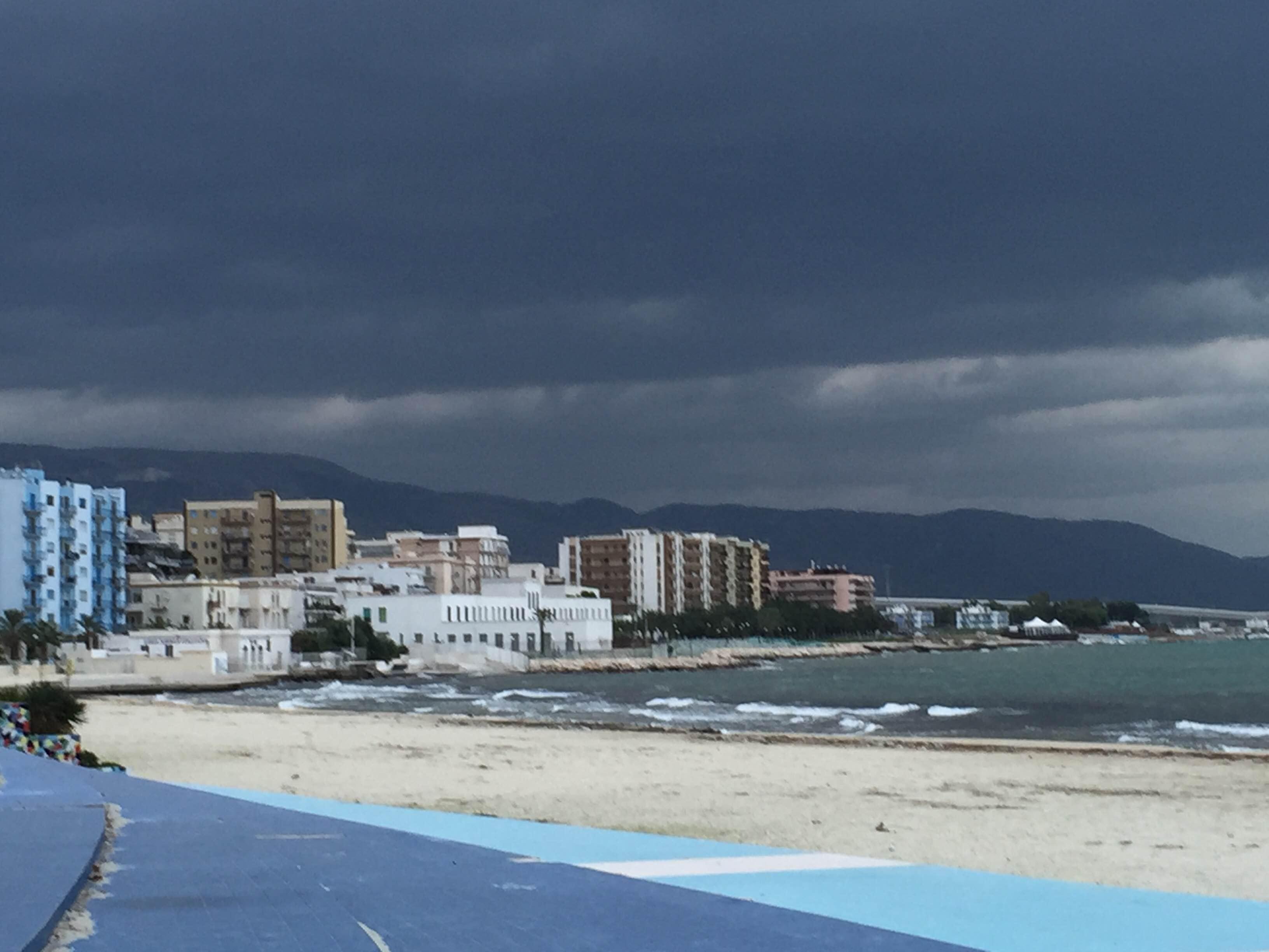 Puglia: tempo ancora instabile con rovesci e temporali La pressione torna ad aumentare