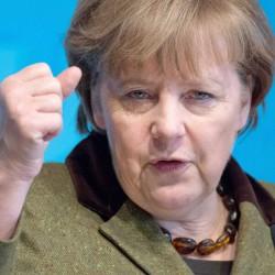 Isis, Berlino invia anche nave da guerra