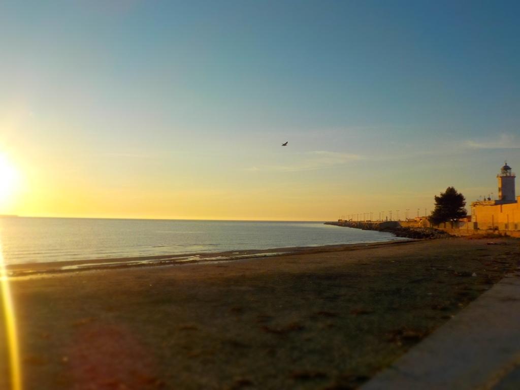 Puglia: Bella giornata di sole, salvo isolati piovaschi Temperature senza particolari variazioni, al più in lieve aumento