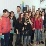 Giuseppe Catozzella con alcuni alunni del 'Galilei'
