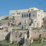 24. -L'Abbazia di Pulsano con  i resti delle mura medievali