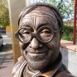 """Riccardi """"A Manfredonia statua di Dalla dell'artista Susinni. Energas e calcio? Come l'Enichem"""""""