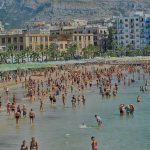 Spiaggia CASTELLO MANFREDONIA - ph MATTEO NUZZIELLO - IMMAGINE D'ARCHIVIO - (LUGLIO 2016)