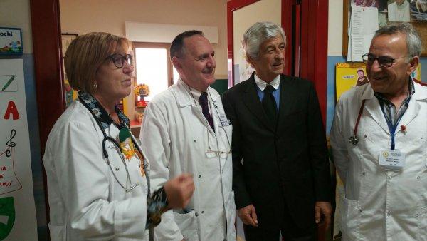 Casa Sollievo, Gianni Rivera in visita all?Unità di Oncoematologia Pediatrica
