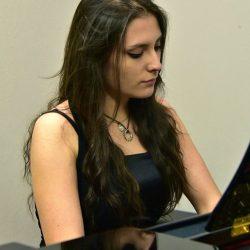 """""""Incontri con la musica"""", c'è la giovane foggiana Laura Licinio"""