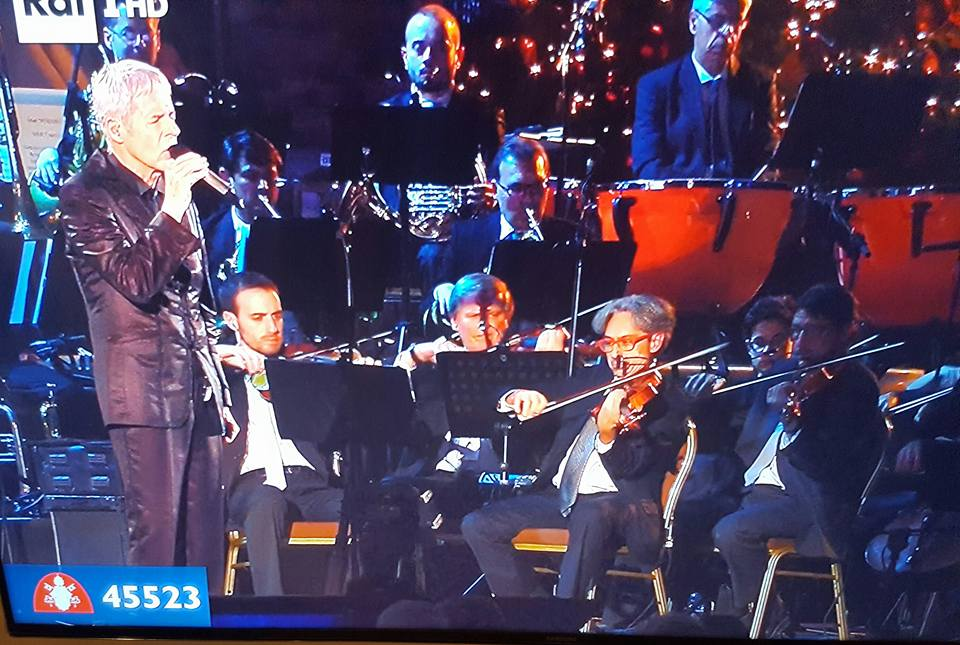 'Avrai', standing ovation per Baglioni in Vaticano. C'è un violista di Manfredonia