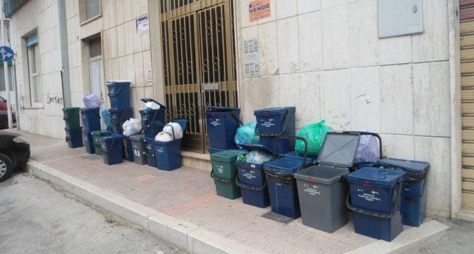 SERVIZIO RACCOLTA DIFFERENZIATA A MANFREDONIA (IMMAGINE D'ARCHIVIO)