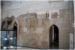 Fig. 5 Cappella della Maddalena Porticina ogivale esattamente uguale alle porte d'ingresso alle torri angolari del castello