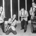 Giugno 1964. Milano.Il gruppo musicale I Sipont allestito dai fratelli Tomaiuolo-Da sinistra-T.Tomaiuolo (batteria)-C. Tomaiuolo (sax)- G.Sodano cantante-L.Balda contrab-pianofor