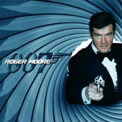 Addio Roger Moore, interprete di James Bond