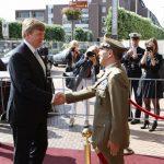Generale Farina accoglie il Re dei Paesi Bassi