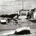 Foggia 1943. L'altro verso del cavalcavia bombardato, con sullo sfondo le prime case di Foggia.