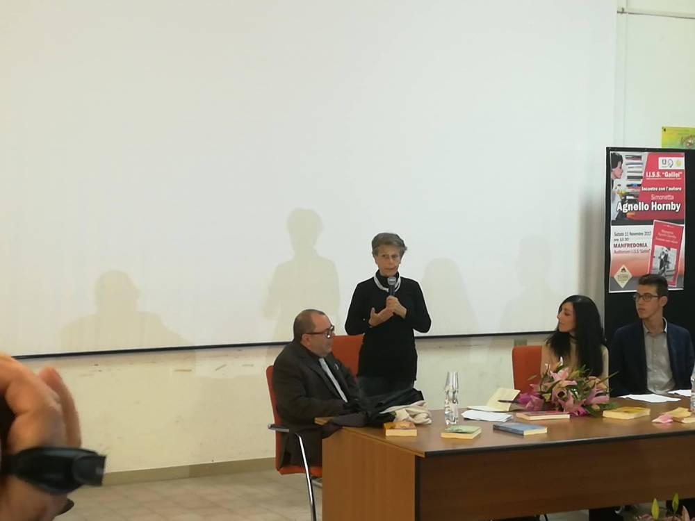 """""""Se non amiamo per primi noi stessi.."""", Simonetta Agnello Hornby a Manfredonia Raccontare la disabilità non è mai facile"""