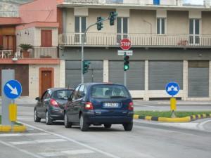auto-vialePadrePio-vsinsulaD5
