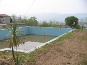 Foto sequestro piscina (immagine d'archivio, caiazzosirinasce)