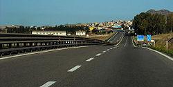 Strada scorrimento veloce (Gargano- image by Wikipedia)