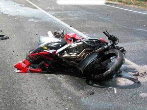 incidente a bordo di una moto (image www.files.splinder.com)