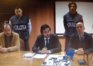 La conferenza stampa in Questura (al centro dr Fabbrocini, dir. Mobile - St)