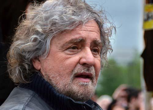 Beppe Grillo a San Donato Milanese (archivio, affariitaliani)