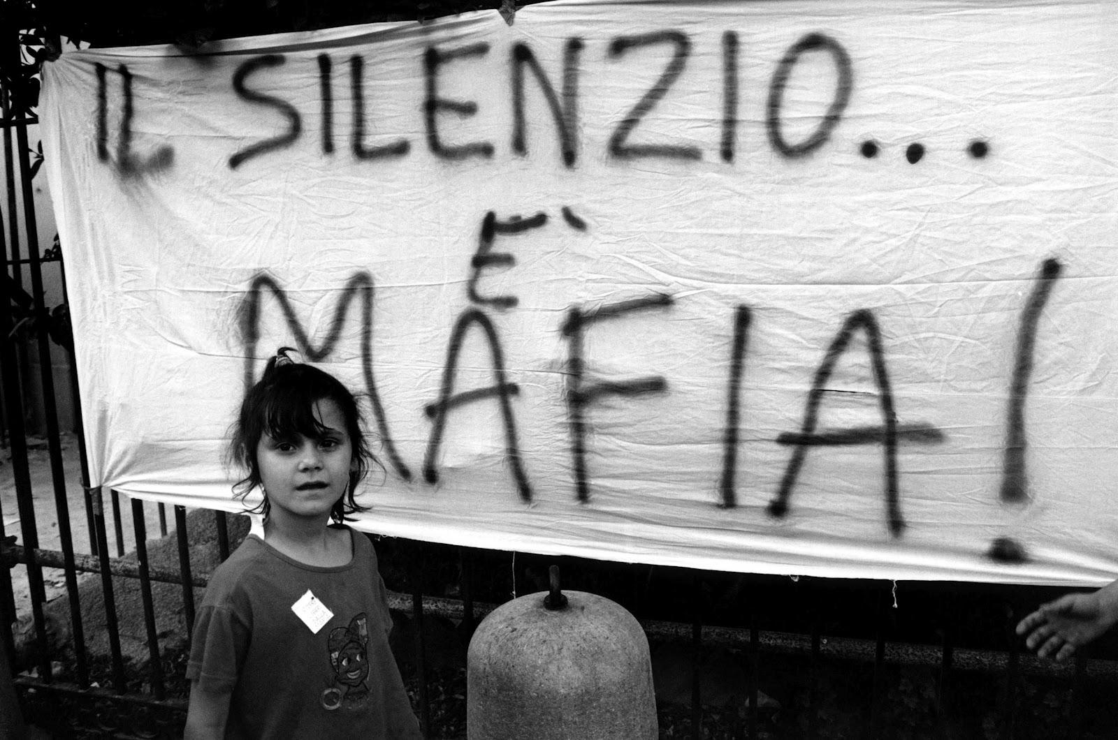Abecedario dell 39 immorale mafia mafiosi xvi stato for Cosa mettere sulla madia