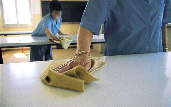 Manfredonia, mamma: pulizia aule e bagni scuola, intervenire
