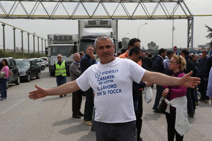 Indesit, 1350 a rischio, blocchi e proteste