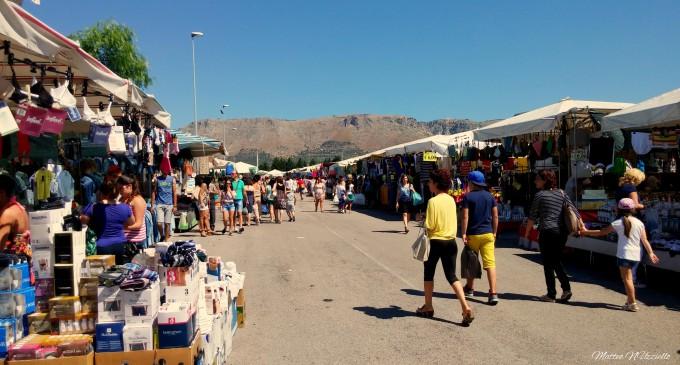 Mercato settimanale di Manfredonia (immagine d'archivio - ph MATTEO NUZZIELLO)