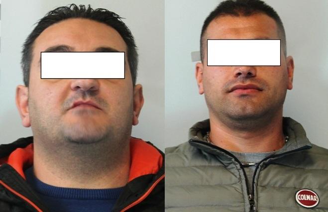 I due uomini arrestati dagli agenti del Commissariato di PS