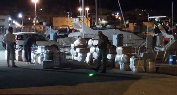 Manfredonia, sequestrati 2000 kg di droga, arrestati due scafisti