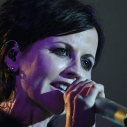 Morta Dolores O'Riordan dei The Cranberries (VD)