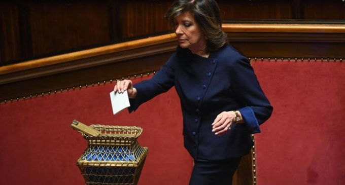 Forza Italia senator Maria Elisabetta Alberti Casellati casts her vote during the first session of the XVIII legislature in the Senate chamber, in Rome, Italy, 23 March 2018. Napolitano opened the XIII Legislature following the Italian general election from 04 March 2018. ANSA/ALESSANDRO DI MEO